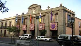 Más de 100 asalariados se manifiestan en La Laguna
