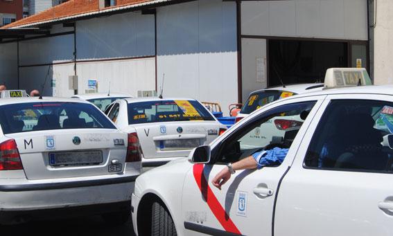Gremial Madrid considera ´inviable´ que obliguen a los taxis a llevar sillitas