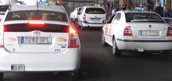 Foro Taxi Libre llevará a la Fiscalía los sabotajes del aeropuerto