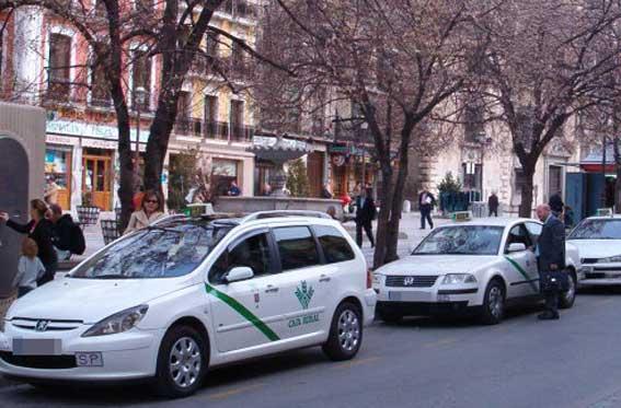 Granada comienza en otoño los trámites para su ordenanza del taxi