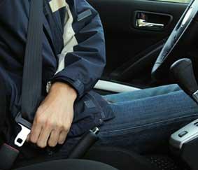 Arranca una campaña de Tráfico del uso del cinturón