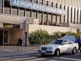 Conflicto en Canarias por el artículo sobre la recogida en el aeropuerto