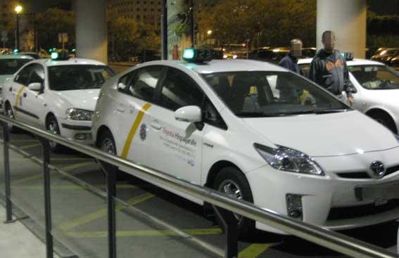 Investigación policial de taxis en Sevilla