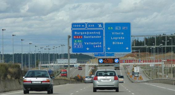 Previstos 4,4 millones de desplazamientos en el Puente del Pilar