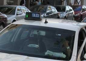 El taxi de Melilla reivindica un control permanente contra la piratería