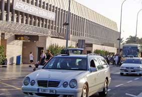El Reglamento Canario divide en dos al taxi insular
