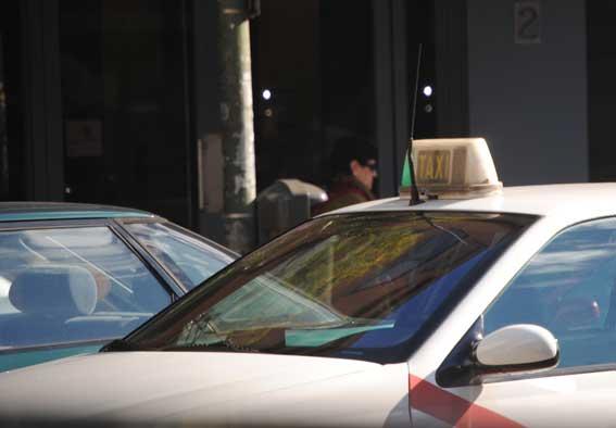 Los diputados madrileños reducirán a la mitad su gasto en taxis