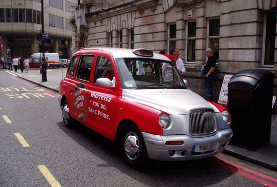 El fabricante de los taxis de Londres, en suspensión de pagos