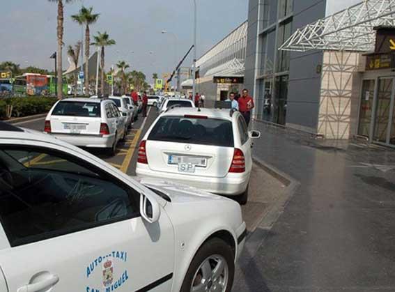 El taxi canario recurre el Reglamento ante el TSJC