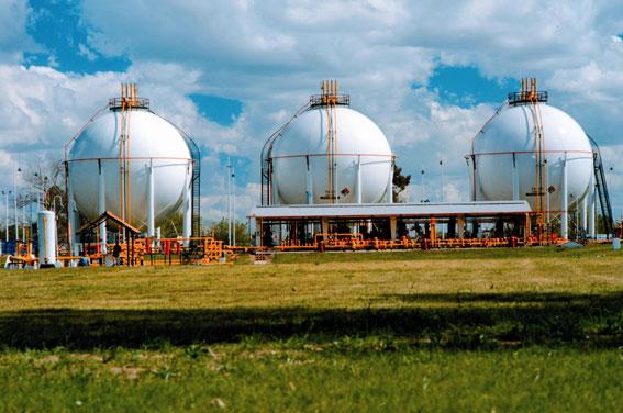 Repsol y la FEBT acuerdan incentivar el Autogas en Baleares