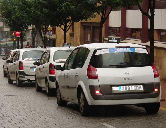En Asturias triunfan los taxis híbridos