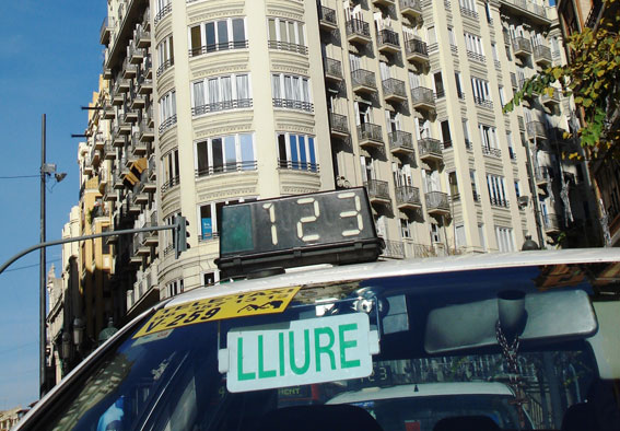 Rechazo de la FSTV al alquiler por horas de vehículos