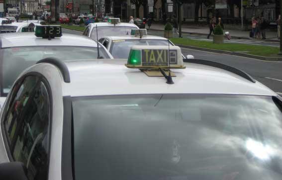 Los taxistas de A Coruña proponen una subida del 4%
