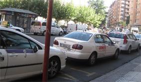 """Palencia quiere contar con los taxistas como """"guías"""""""