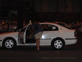 Tarjeta joven de taxi con facilidades de pago