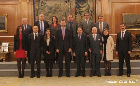 El Príncipe de Asturias recibe a los galardonados con el Premio Autónomo 2012