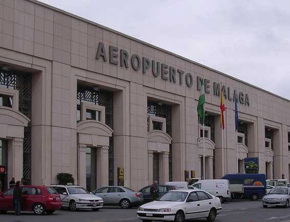 Marbella pide que sus taxis puedan trabajar en el aeropuerto