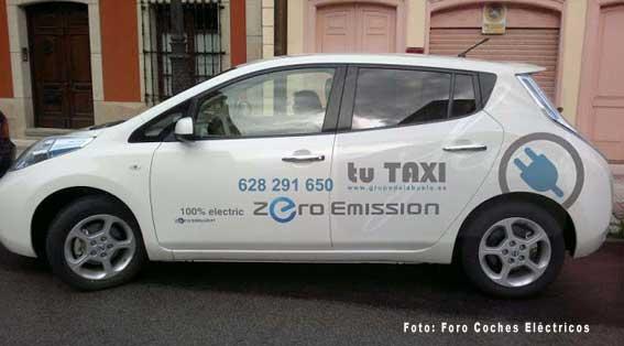 Asturias adquiere el segundo taxi eléctrico de España