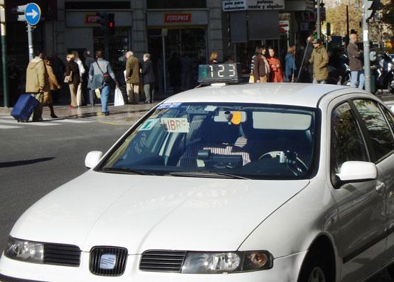 El taxista buscado por la Interpol, detenido por retener a un pasajero