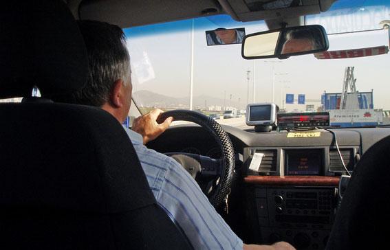 Cinturón obligatorio para el taxista