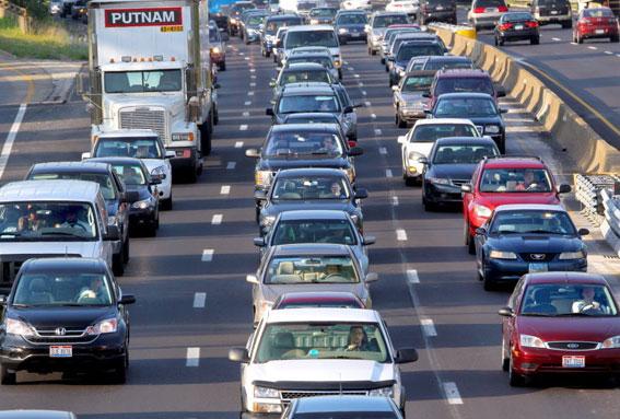 Tráfico prevé subir la velocidad a 130 km/h en algunos tramos