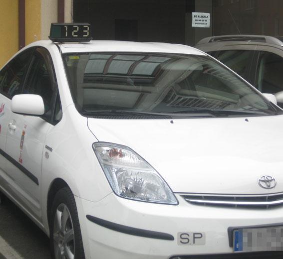 Taxistas denuncian fraude contable en la cooperativa Villa de Jovellanos