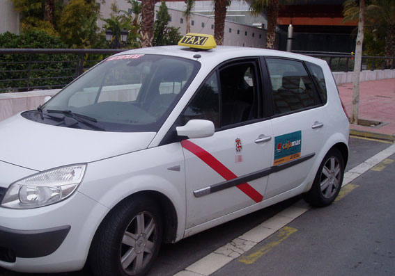 Protesta en Almeria por la concesión de cinco nuevas licencias