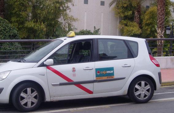 Los taxistas de Almería funcionarán al 50% en fines de semana