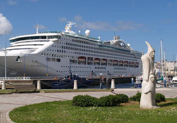Rutas cerradas para cruceristas en A Coruña