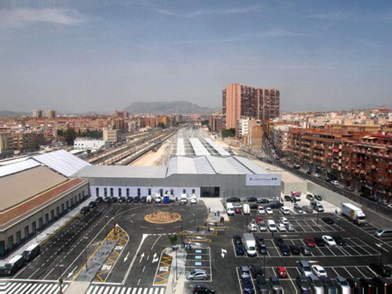 El AVE lleva la tarifa fija de taxi a Alicante