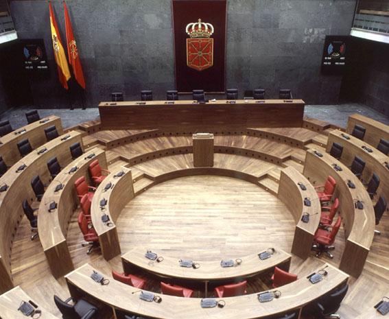 La Ley del Taxi de Navarra, aprobada por mayoría