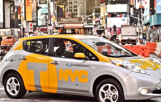 Se estrena en Zaragoza el taxi 100% eléctrico