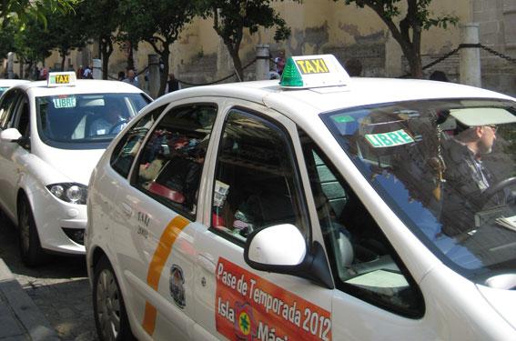 Foro Taxi Sevilla pide la creación de una radioemisora pública