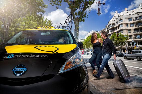 Barcelona fabricará en mayo el taxi eléctrico