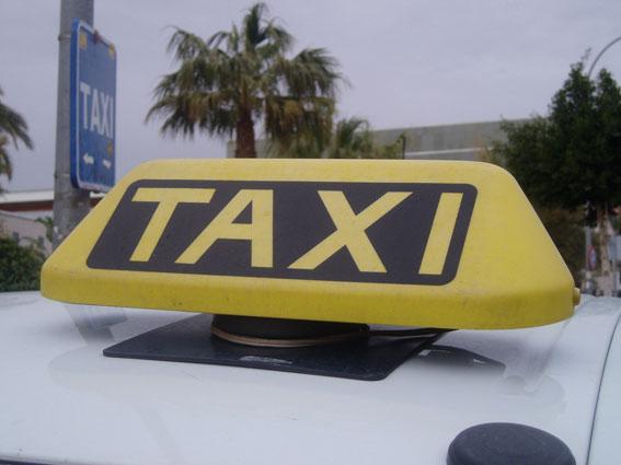 Taxistas de Isla Cristina denuncian la competencia desleal