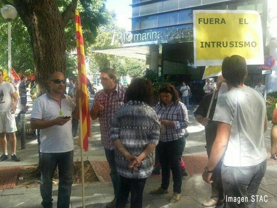 Concentración en Barcelona contra el pago de comisiones a hoteles