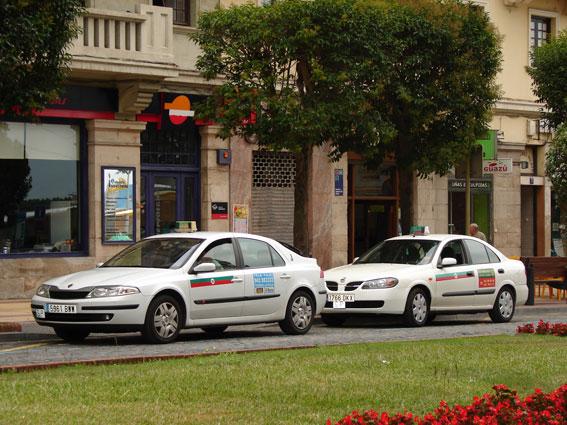 300 profesionales piden la creación de una Comisión Regional del Taxi