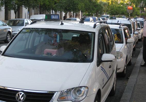 Puesta a punto tecnológica del taxi de Jerez