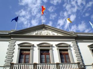 El alcalde de S.C de Tenerife garantiza el rescate de licencias