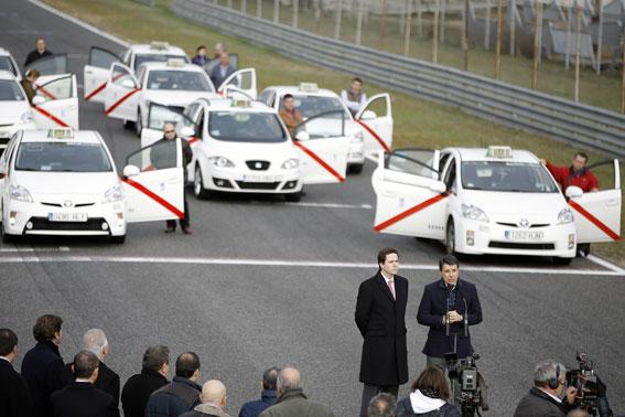 Todos los taxis serán 'limpios' en 2020
