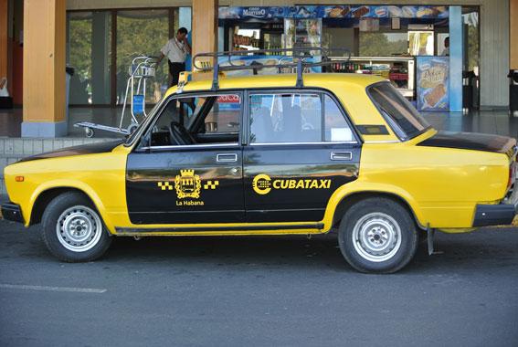 El taxi de Cuba actualiza su sistema de trabajo