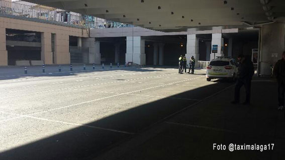 Una hora sin taxis en el aeropuerto de Málga