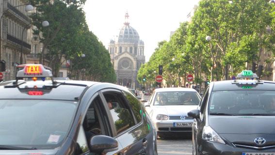 Masivas protestas en Francia contra las VTCs