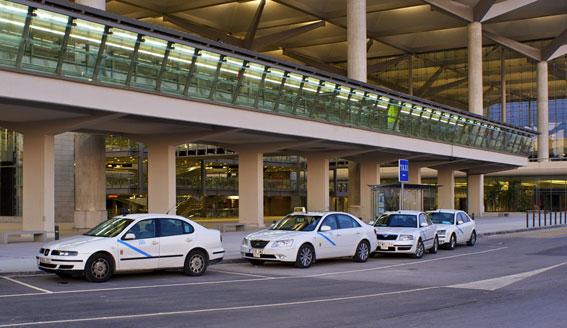 Los taxistas de Málaga aceptan por mayoría la creación de un APC
