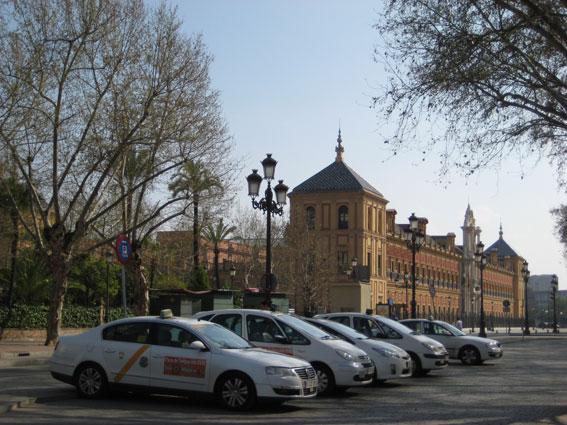 Nueva protesta en Sevilla contra la tasa de paradas