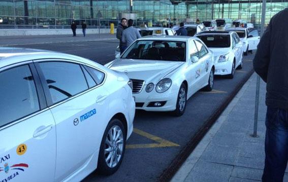 Alicante quiere liberalizar los taxis durante el fin de semana