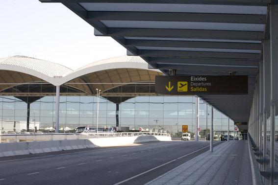 Habrá más controles en el aeropuerto de Elche