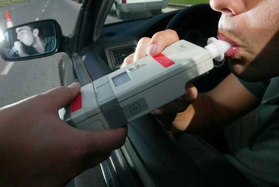 300 conductores al día son detectados al volante tras consumir alcohol o drogas