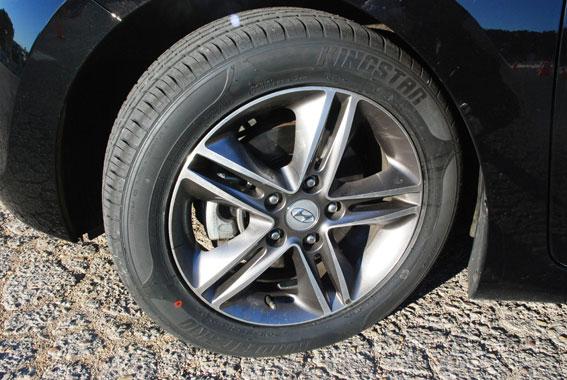 """Los peligros de los neumáticos """"low-cost"""" asiáticos"""