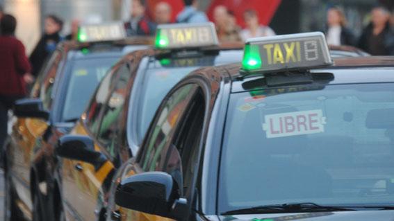 Élite Taxi BCN convoca una manifestación contra las VTCs